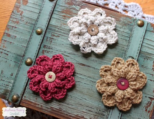 Crochet Autumn Berry Flower Free Pattern