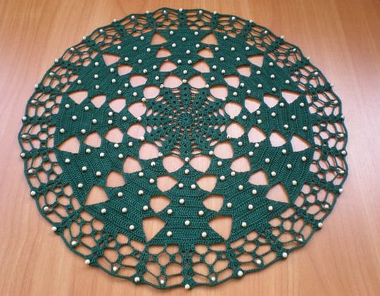 Easy crochet Christmas tree tablecloth free pattern