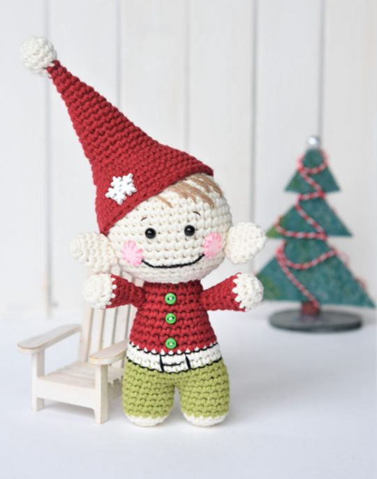 Easy crochet Little Christmas elf free pattern