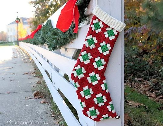 Easy crochet Ye Olde Christmas Stocking free pattern