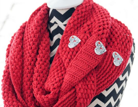 Crochet Madly in Love Cowl Free Pattern