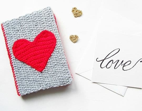 Crochet DIY VALENTINES CROCHET NOTEBOOK SWEATER Free Pattern