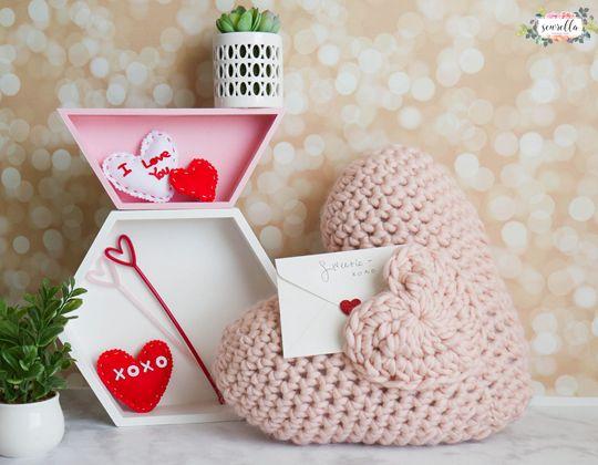 Crochet Love Note Crochet Pocket Pillow Free Pattern