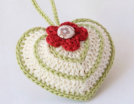 Crochet Valentine's Day crochet heart with chart Free Pattern