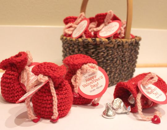 Crochet valentine's candy crochet bags Free Pattern
