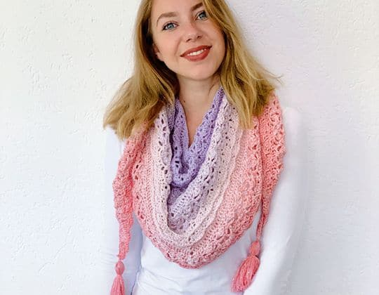 Crochet FLOWER PUFF SHAWL free pattern