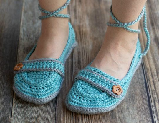 Crochet Ankle Tie Slippers free pattern