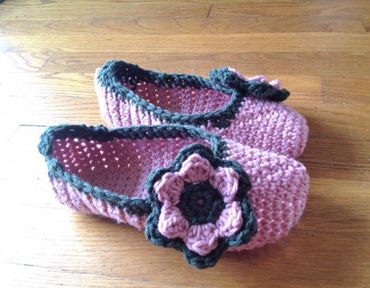 Crochet Flower Slippers free pattern