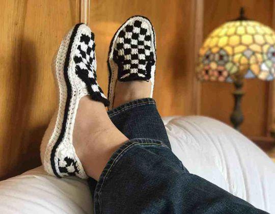 Crochet Vans Sk8tr Slip-Ons Slippers free pattern