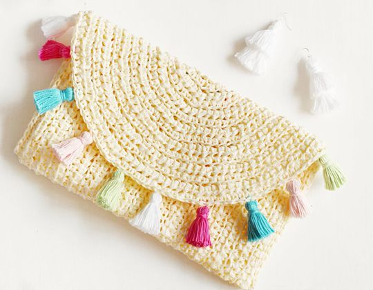 Crochet Evelyn Summer Clutch easy pattern