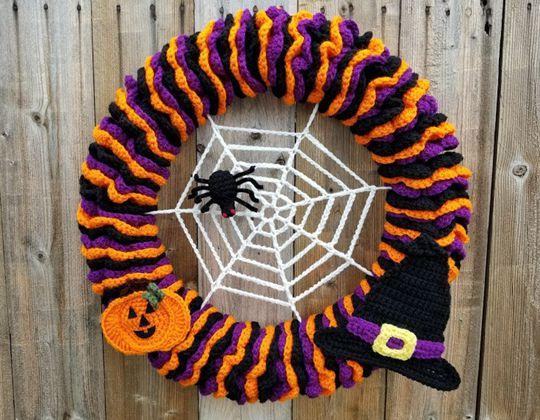 Crochet Halloween Wreath free pattern - Crochet Pattern for Halloween