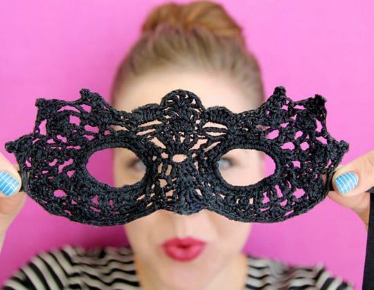 Crochet Masquerade Mask free pattern - Crochet Pattern for Halloween