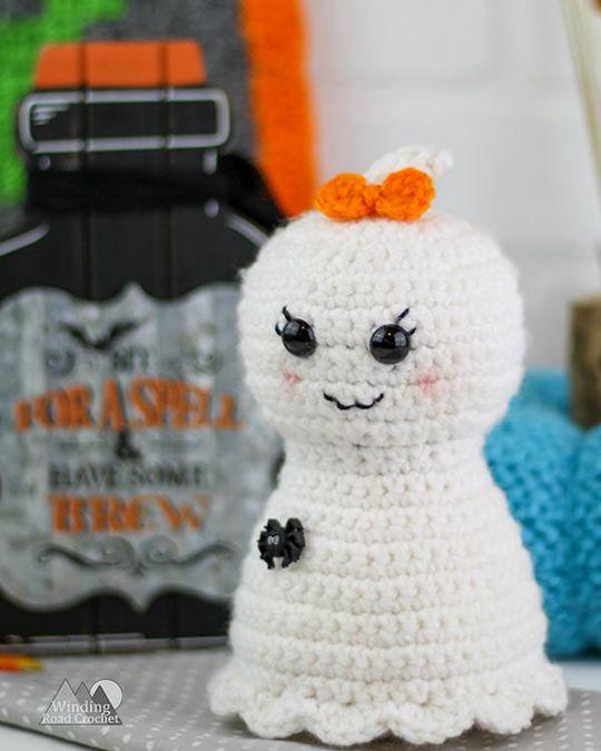 Crochet Pretty Little Ghost free pattern - Crochet Pattern for Halloween