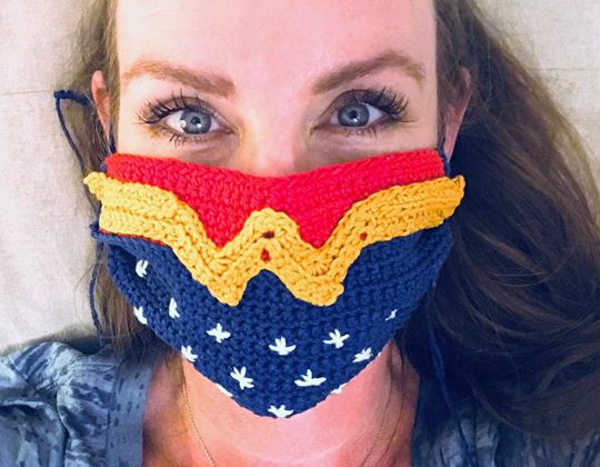 Wonder Woman Crochet Face Mask Cover free pattern - Crochet Pattern for Face Mask