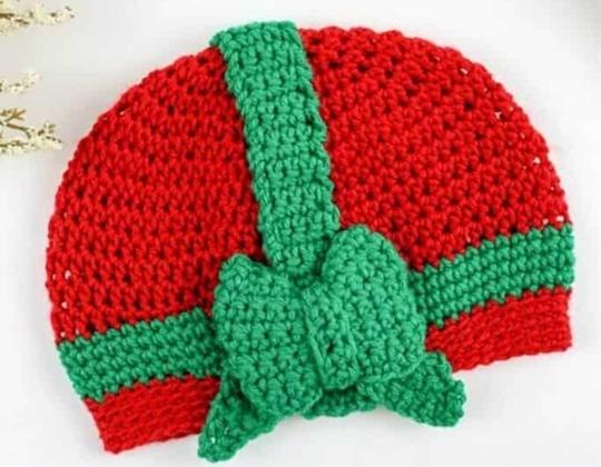 Crochet Christmas Gift Beanie free pattern - Crochet Pattern for Christmas Beanie