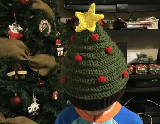 Crochet Oh Tannenbaum Christmas Tree Hat free pattern - Crochet Pattern for Christmas Beanie